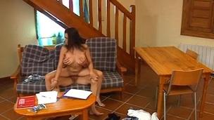 Claudia Boom se folla a su profe en camara oculta