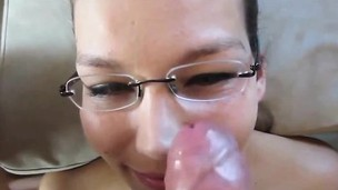 Amateur Teen Spoil in all directions glasses facial